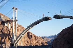 Bridging_Gaps_Foto_312x205